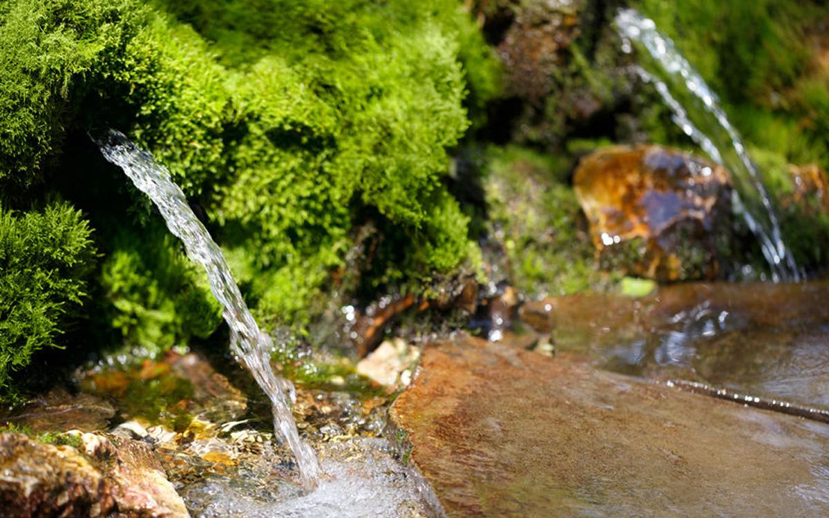 Wasser Quelle 123rf